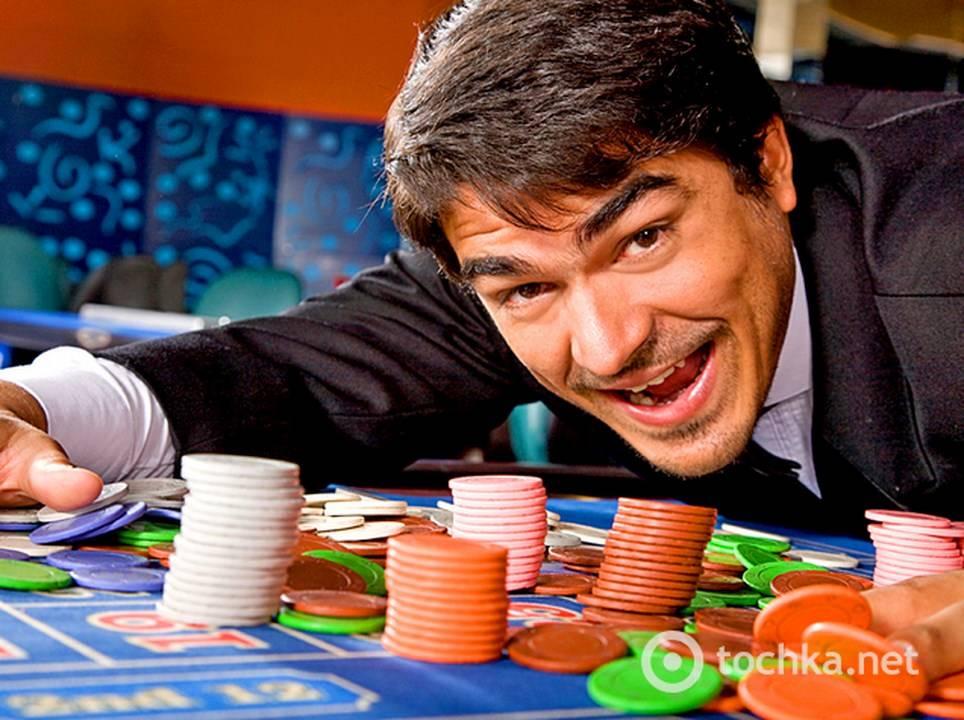 paren-viigral-v-kazino